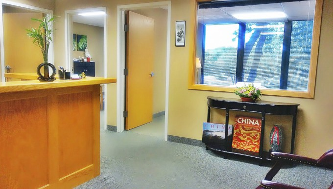 Acupuncture in Edina MN - front desk